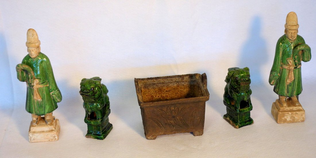 Grouping of 5 oriental objects including pair of green
