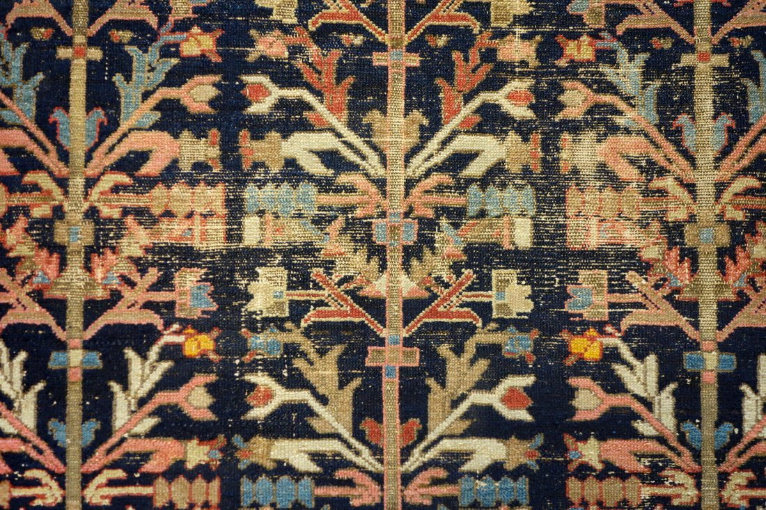"""Oriental scatter rug - 4' 6.5"""" x 6' 3"""". Low pile with - 2"""