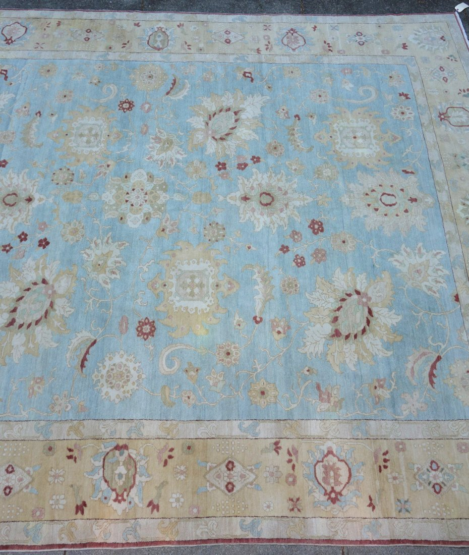 Large room size oriental style rug in light pastel - 3