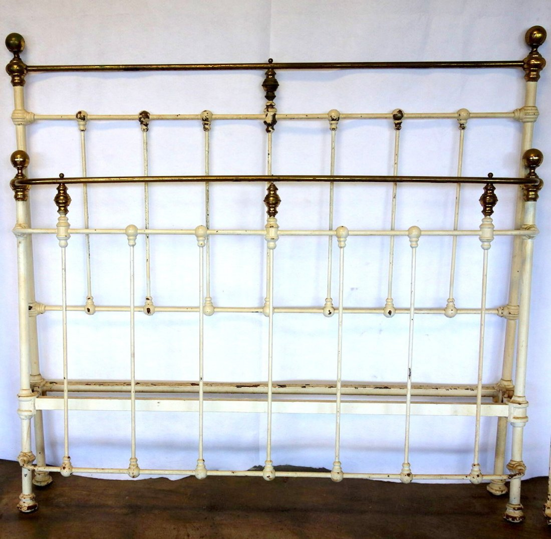 Brass and iron Victorian bed - curved footboard - 19th - 2