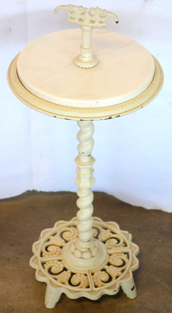 Two decorative objects including torchere floor lamp - 2