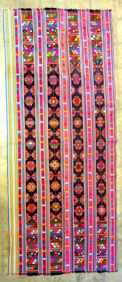 Grouping of 7 various woven textiles, 19th and 20th - 5
