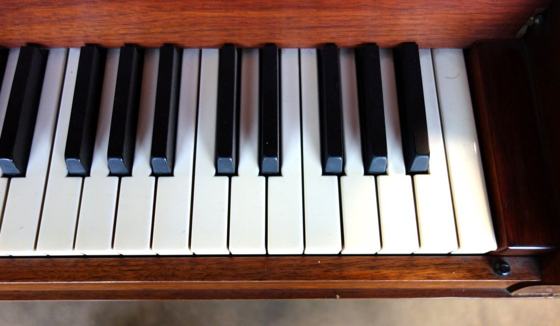 Hardman fruitwood baby grand piano in the French style - 10