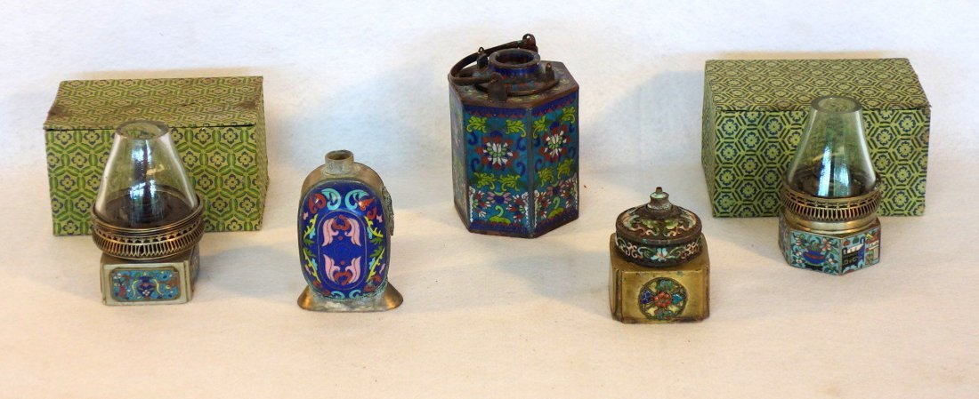 Grouping of 5 chinese cloisonné articles including a