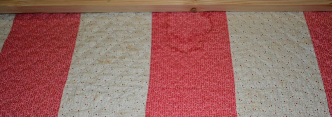 Graphic Lone Star pattern hand sewn quilt - reverse - 9