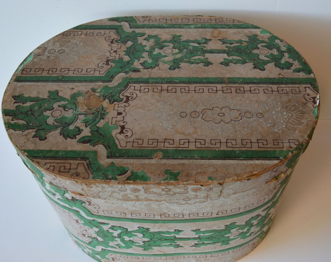 Old wall papered band box lined with 1847 newspaper - 2