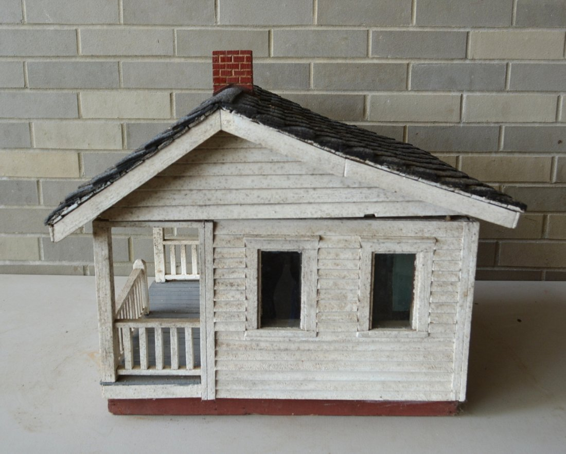 Old cottage model with clapboard siding, front porch - 2