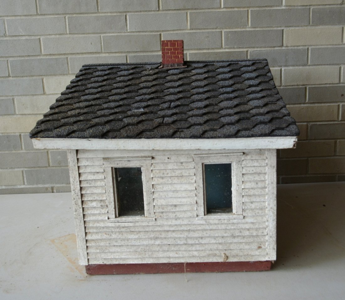Old cottage model with clapboard siding, front porch - 3