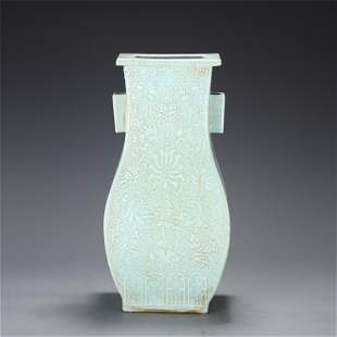 A CHINESE GREEN GLAZE PORCELAIN FLOWERS SQUARE VASE