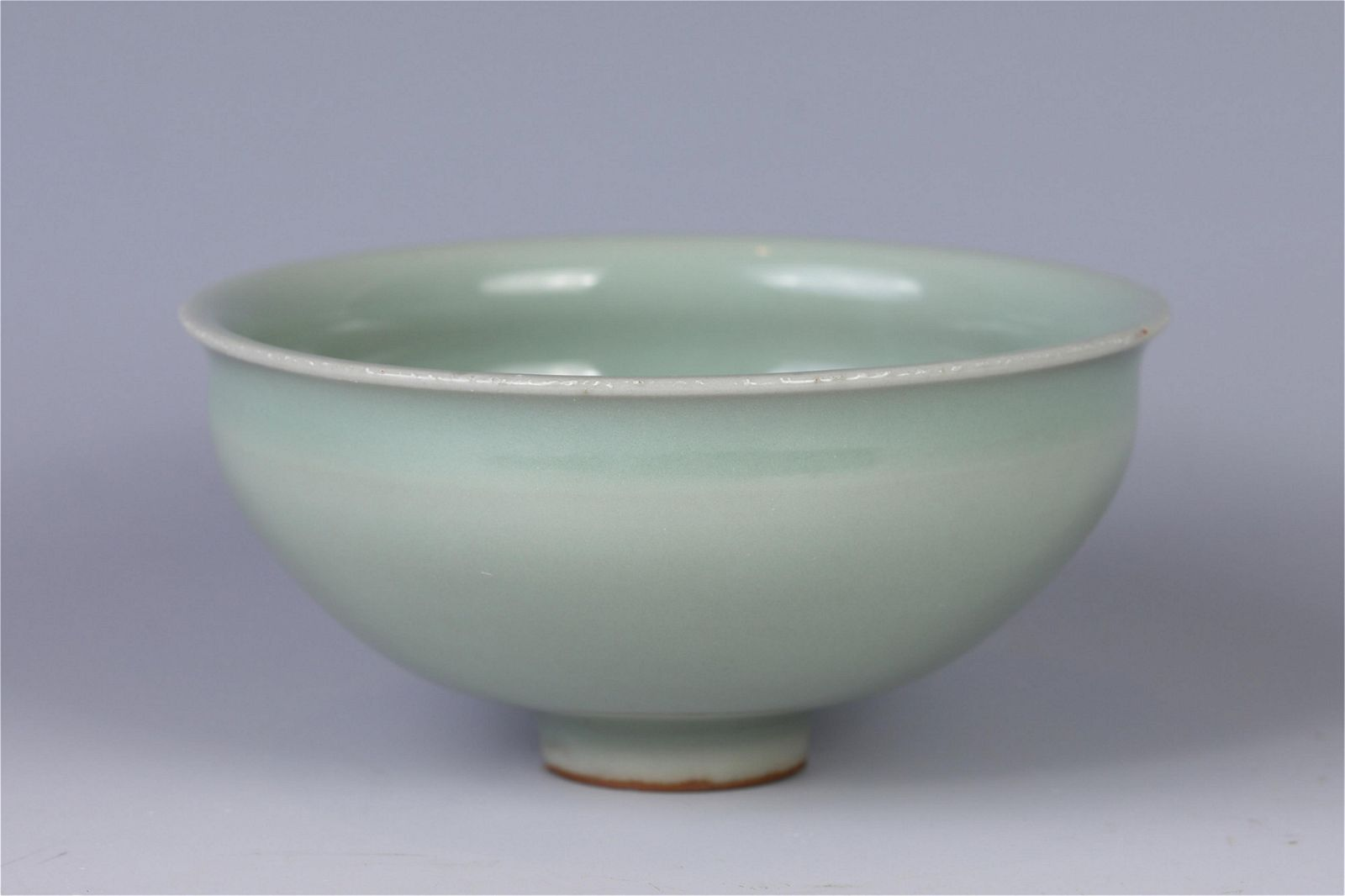 A CHINESE CELADON GLAZED PORCELAIN BOWL