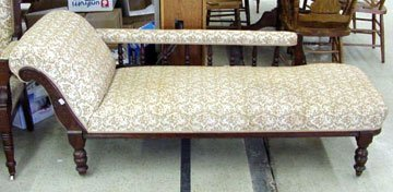 350C: Eastlake Chaise Lounge