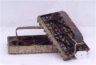 """Pair of iron moulds, measures 7 1/2"""" x 4"""""""