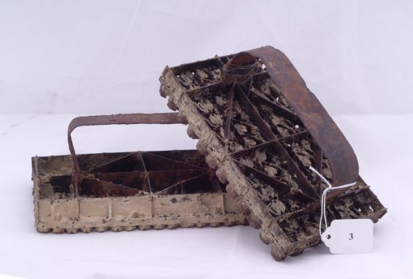 """3: Pair of iron moulds, measures 7 1/2"""" x 4"""""""