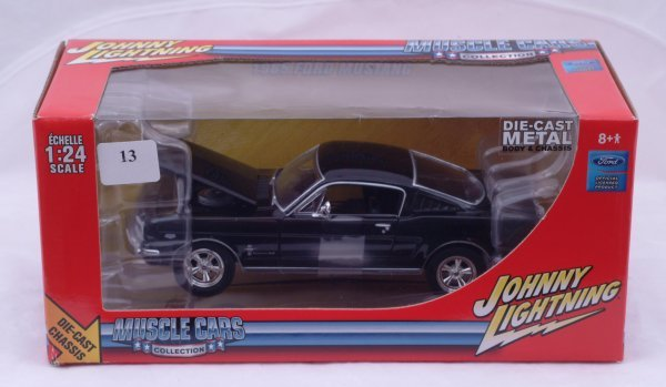 1013: Johnny Lightning - Muscle Car Collection 1965 Mus