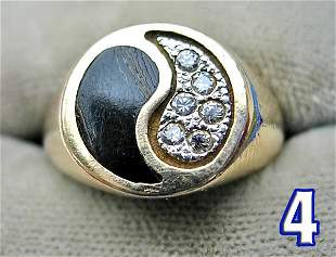 Ladies 14 kt. Gold Signet Ring