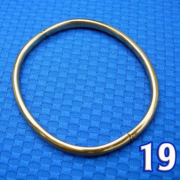1019: Gold Bangle