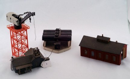 2002: 4 Railway  Buildings Consisting of a Train, Oil T
