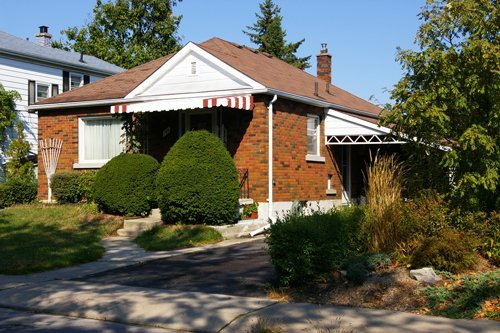4: 169 Carruthers Street, Kingston, Ontario - South sid