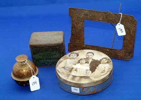 154: ROYAL FAMILY COOKIE TIN, EDGEWORTH PIPE TOBACCO TI