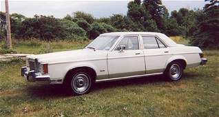 200A: 1978 Lincoln, Versailles, White with white leathe