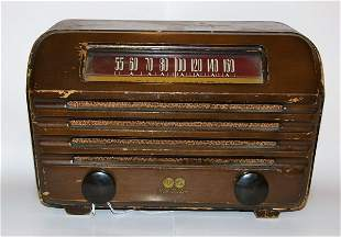 Vintage RCA Victor AM Radio
