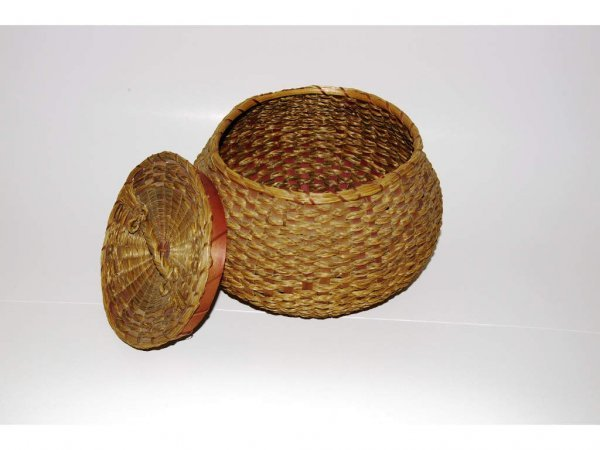 1002: Sweet Grass Covered Basket