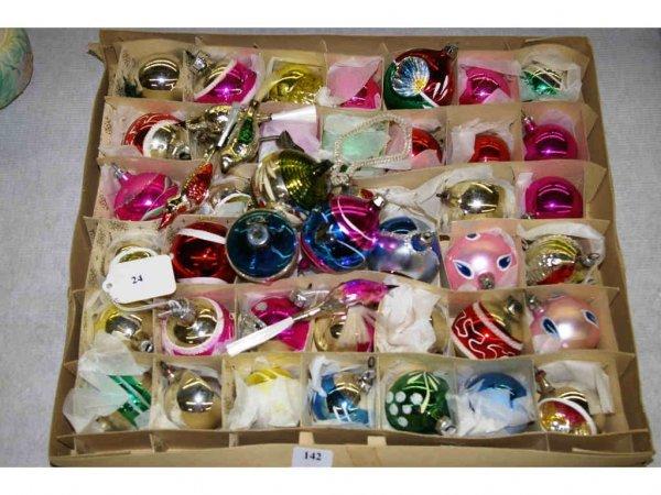 1024: Christmas Tree Decorations