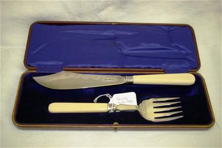 319: Ivory Handled Silver Plated Fish Serving Set
