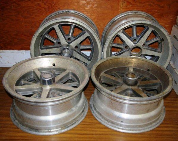 603: Four Dodge Magnum Wheels