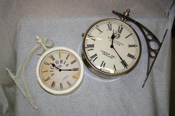 18: 2 Modern Decorative Hanging Clocks