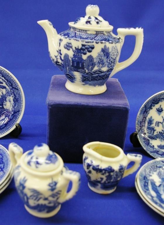 14: Blue Willow Toy Tea Set - 4