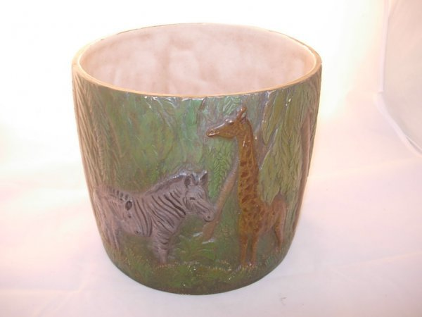 19: Planter depicting a Jungle scene with Giraffes and
