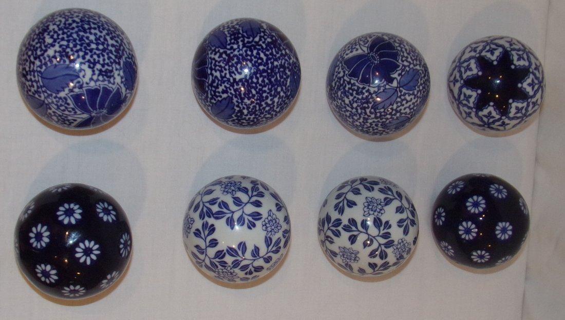 B&W Spheres