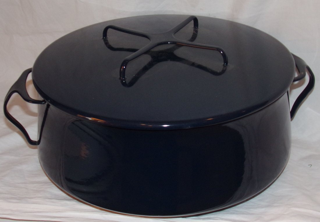 Contemporary B&W Enameled Dutch Oven