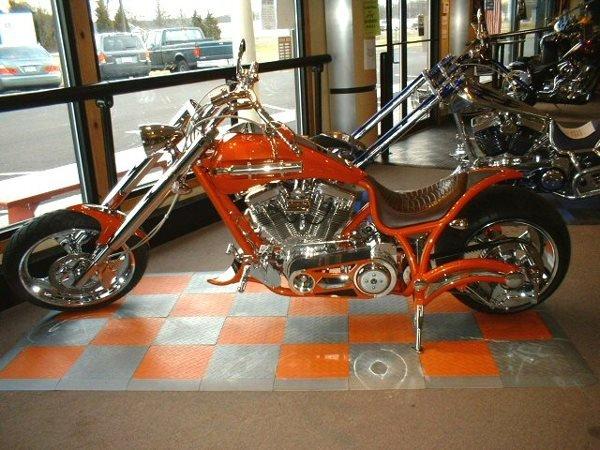 4015: 2005 Bourget's Bike Works Magnum 330 Tangelo