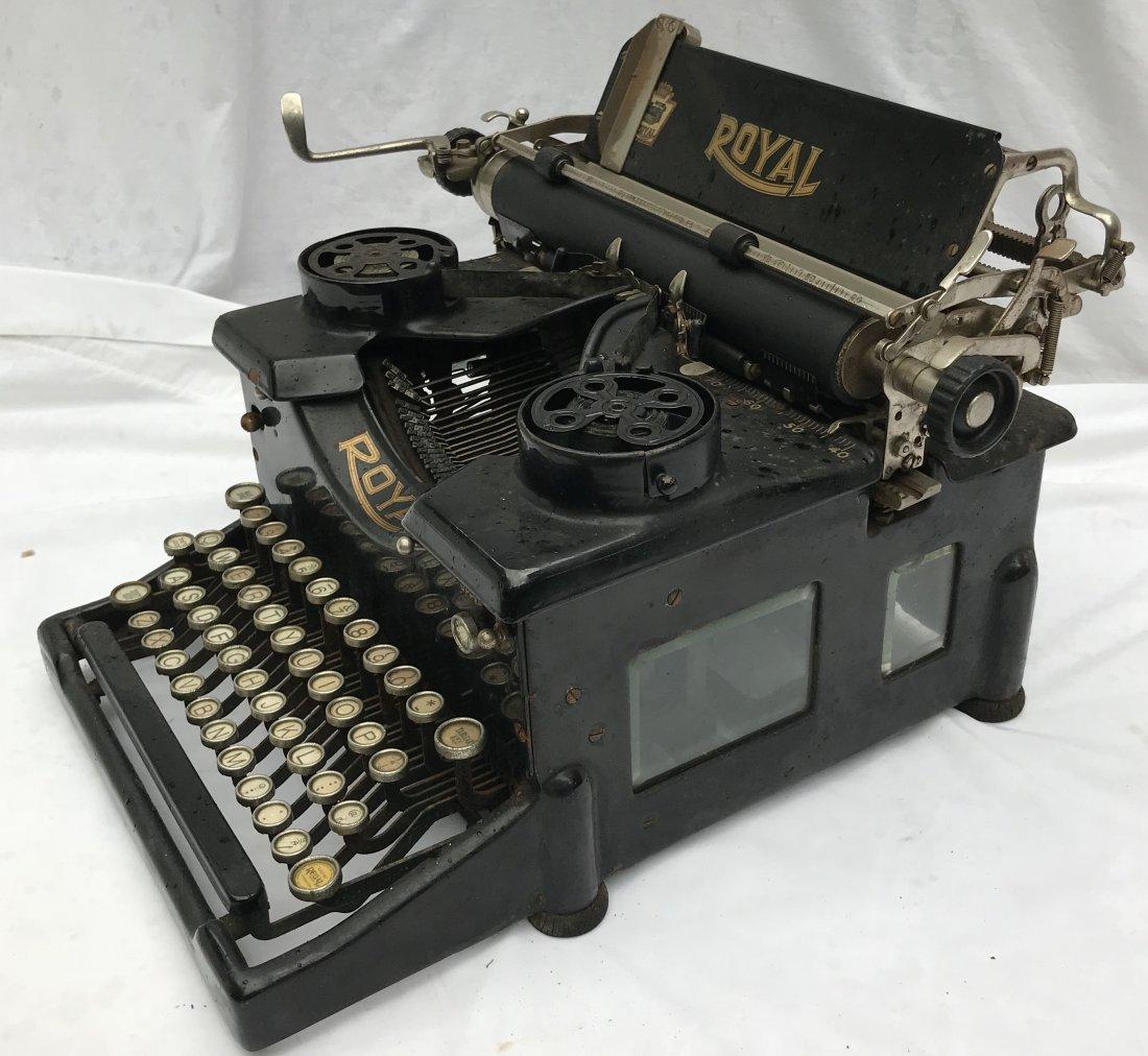 Vintage Royal Typewriter - 4