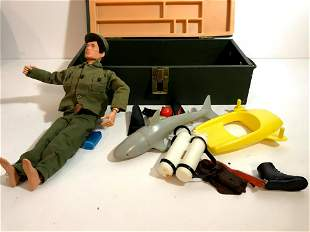 Vintage 1964 G.I. Joe Soldier With Box