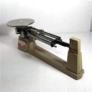 OHAUS Triple Beam Balance Scale 2610 gram/ 5 lb. 2oz.