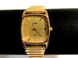 Vintage Timex Woman's gold Tone wrist watch Works!!!