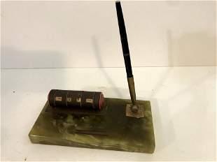 Vintage Desk Pen And Calender Set Green Marble