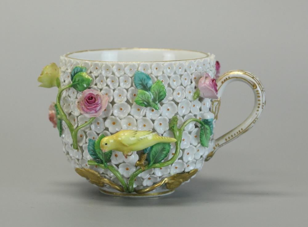 Meissen porcelain, 19th century, German, cup covered