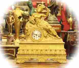 19 C Dore bronze mantle clock, Silk thread