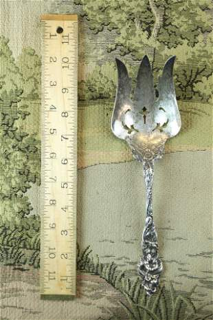 19 C Reed and Barton sterling silver serving fork