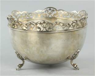 20th century English sterling silver center piece