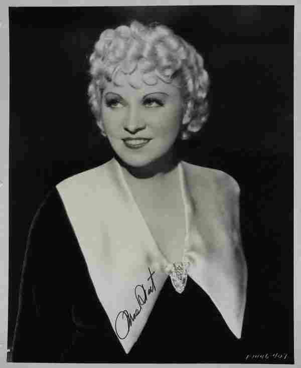 467: Racy Actress MAE WEST - Vintage Photo Signed