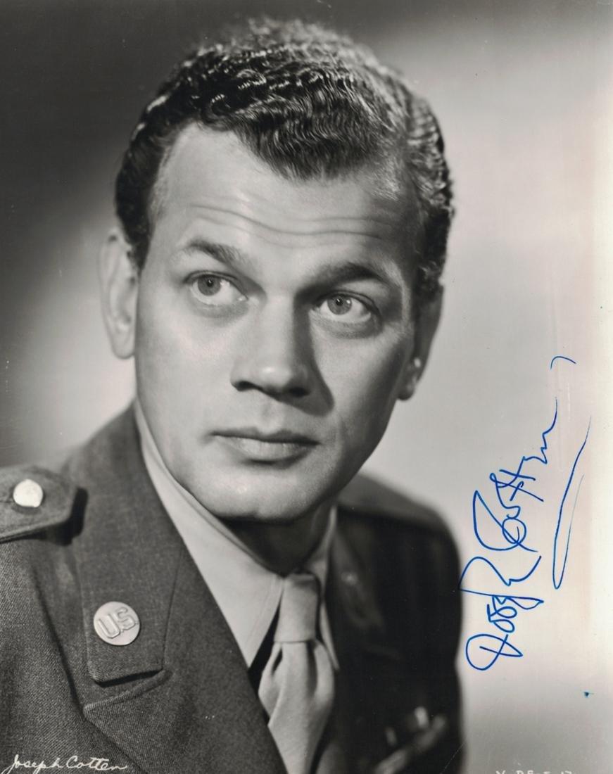 Actor JOSEPH COTTEN - Photo Signed