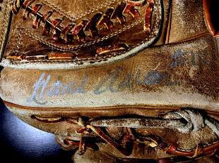 Real HR King HANK AARON Signed Glove