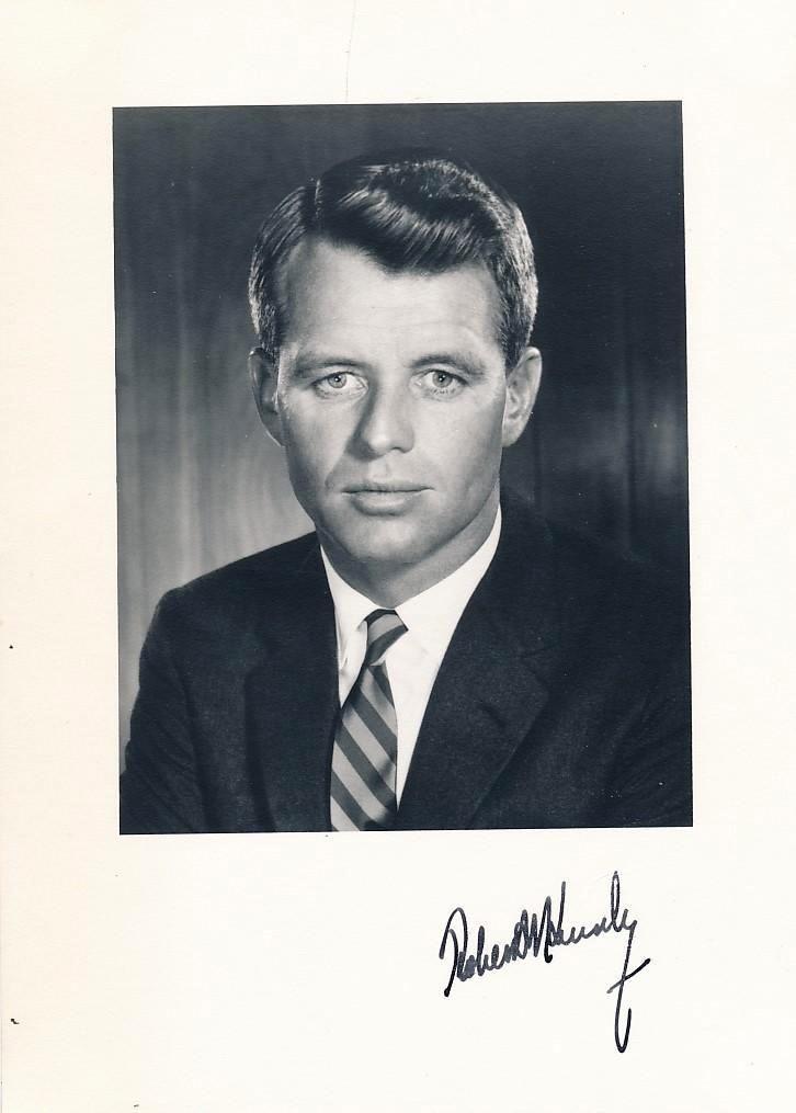 Politican ROBERT F KENNEDY - Photo
