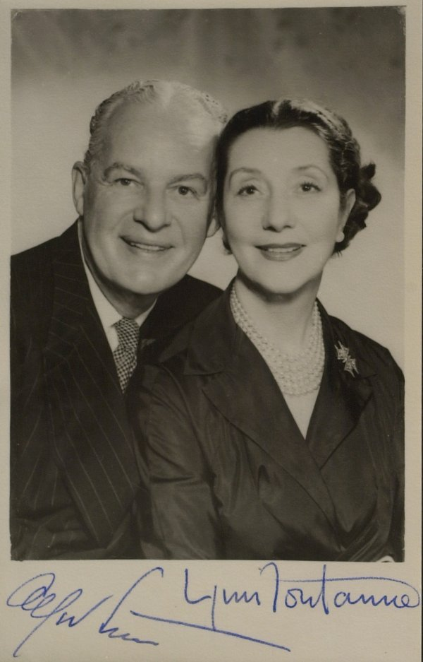 616A: ALFRED LUNT and LYNN FONTANNE - Photo Signed