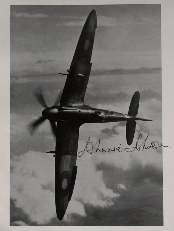 424: British Air Ace JOHNNIE JOHNSON - Photo Signed
